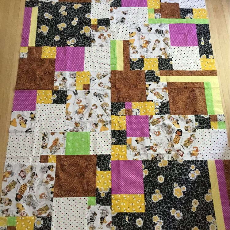 "Throw sized communique quilt top found on <a href=""https://www.pinterest.com/pin/157063105741749858/activity/tried"">Pinterest.</a>"